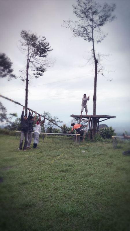 TX Antenna Erection 3